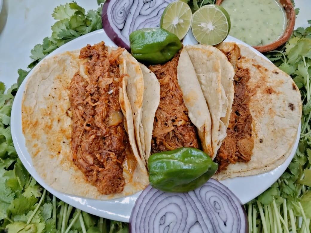 Taco de Cochinita ( 1 pieza )