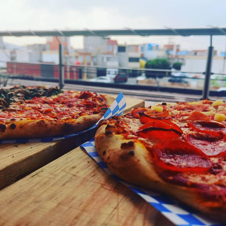 2 Pizzas Redondas Grandes