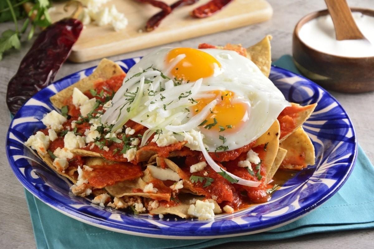 Chilaquiles con Huevo 2 pzas